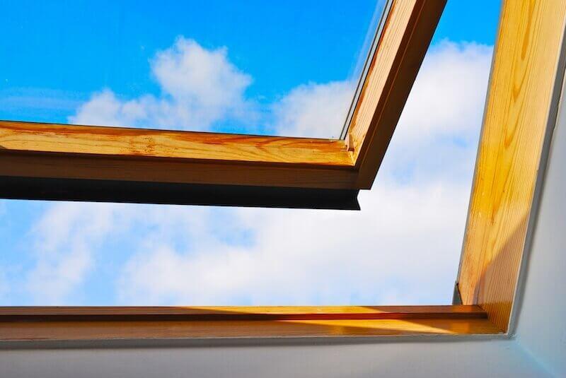 Offenes Fenster beim lüften