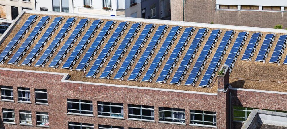 Solaranlage auf einem Bürodach