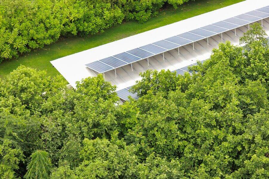 Mehrfamilienhaus mit Solaranlage