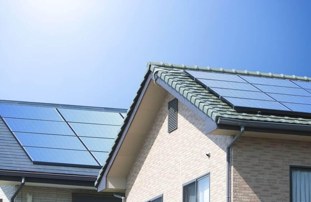 Photovoltaikanlage auf Eigenheim in Wohngebiet