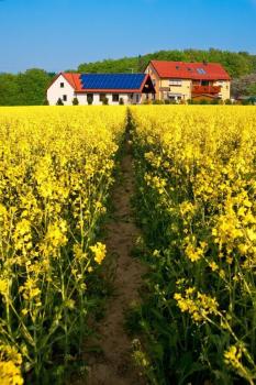 Bauernhof mit Solaranlage