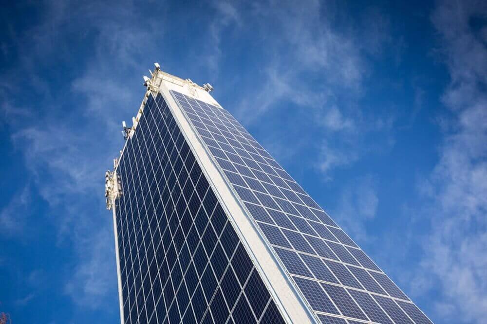 Wolkenkratzer mit Solarkollekoren