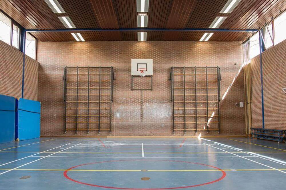 Turnhalle mit LED-Beleuchtung