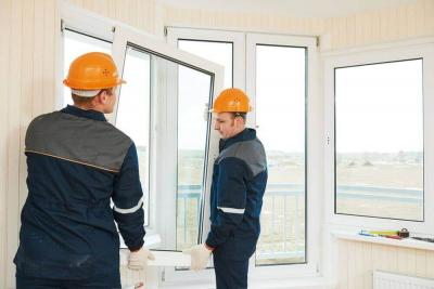 Einbau neuer Fenster