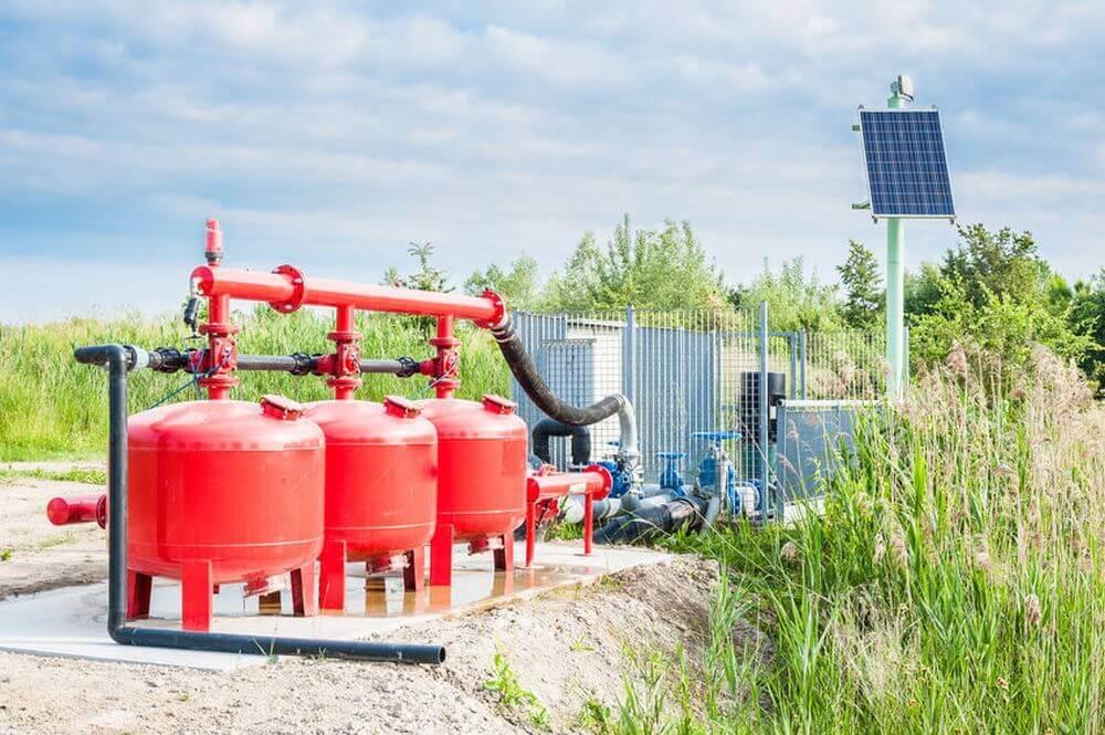 Wasserpumpe mit Solar-Panel