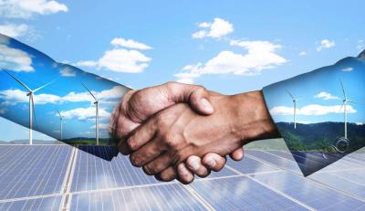 Handschlag zu erneuerbaren Energien