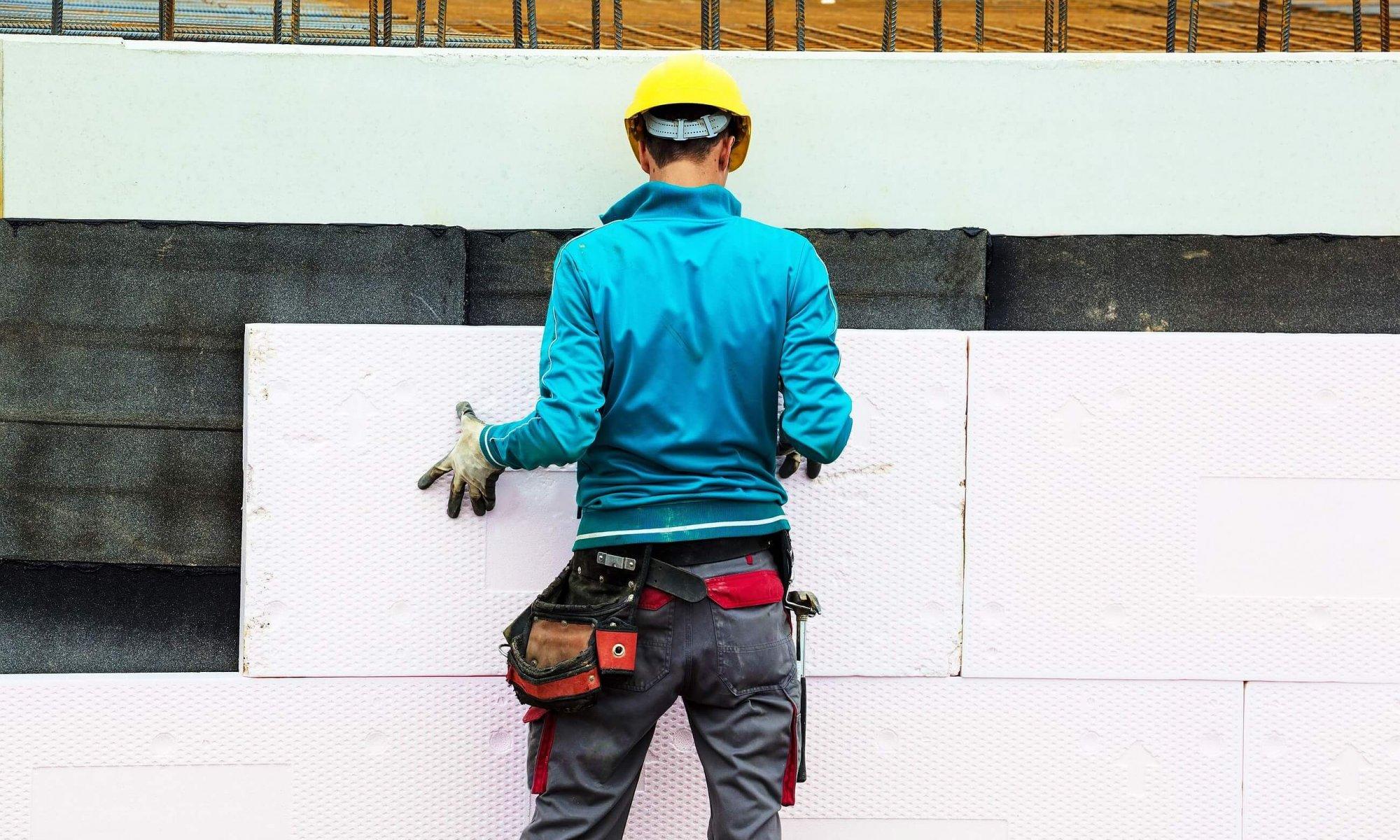 Bild vom Anbringen einer Gebäudedämmung